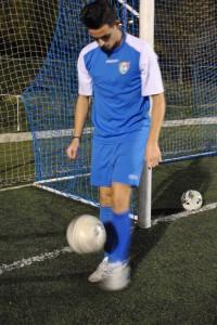 Manu vuelve a tocar el balón