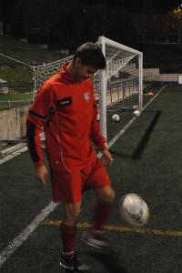 Tores, tocando el balón+