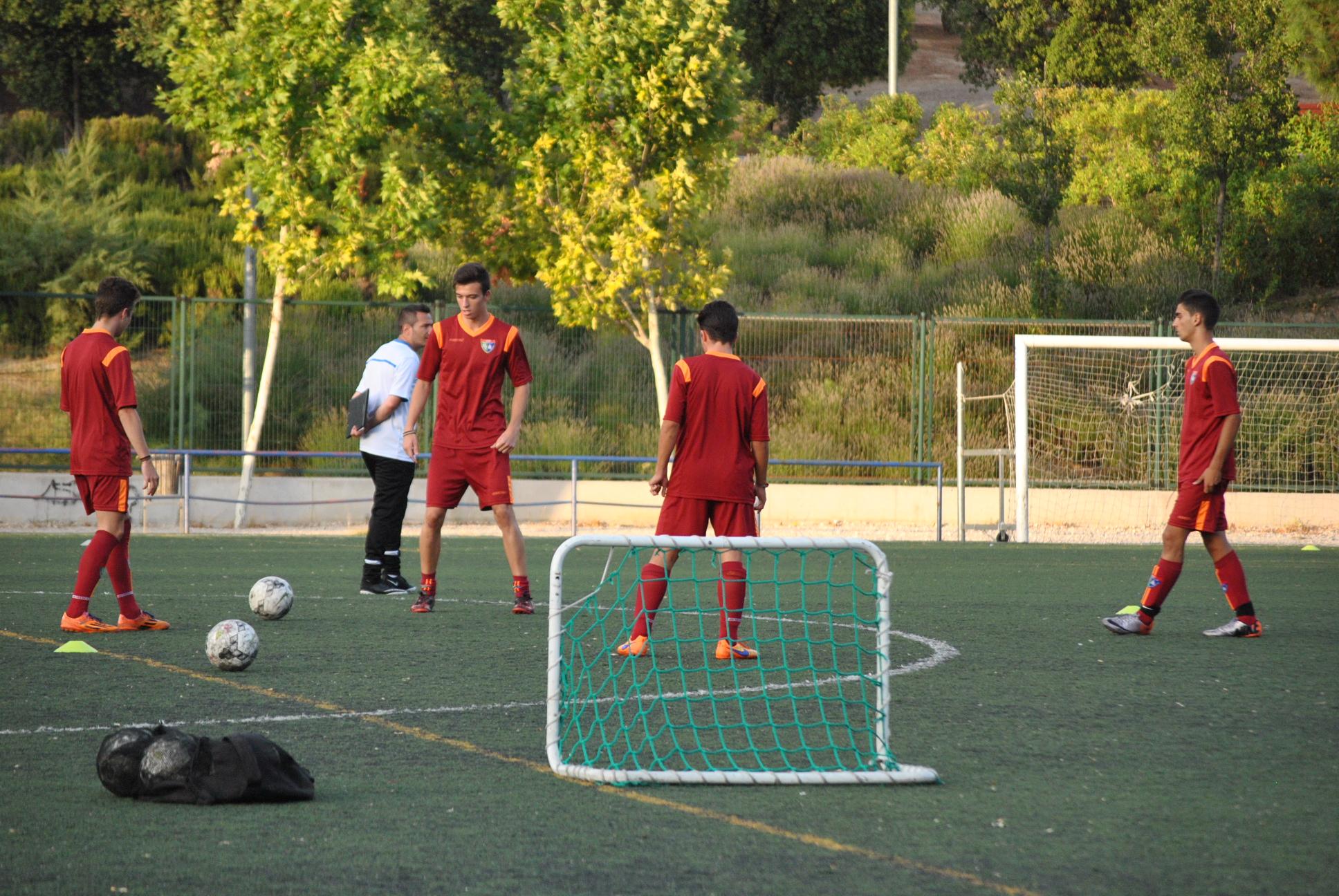Exigente debut del Juvenil C en el Urbis frente al San Fernando D