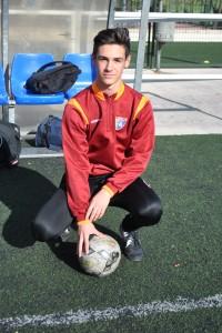 13 años. Mediocentro defensivo. Cinco goles esta temporada. Estudia en el Colegio Agustiniano. Es del Real Madrid.