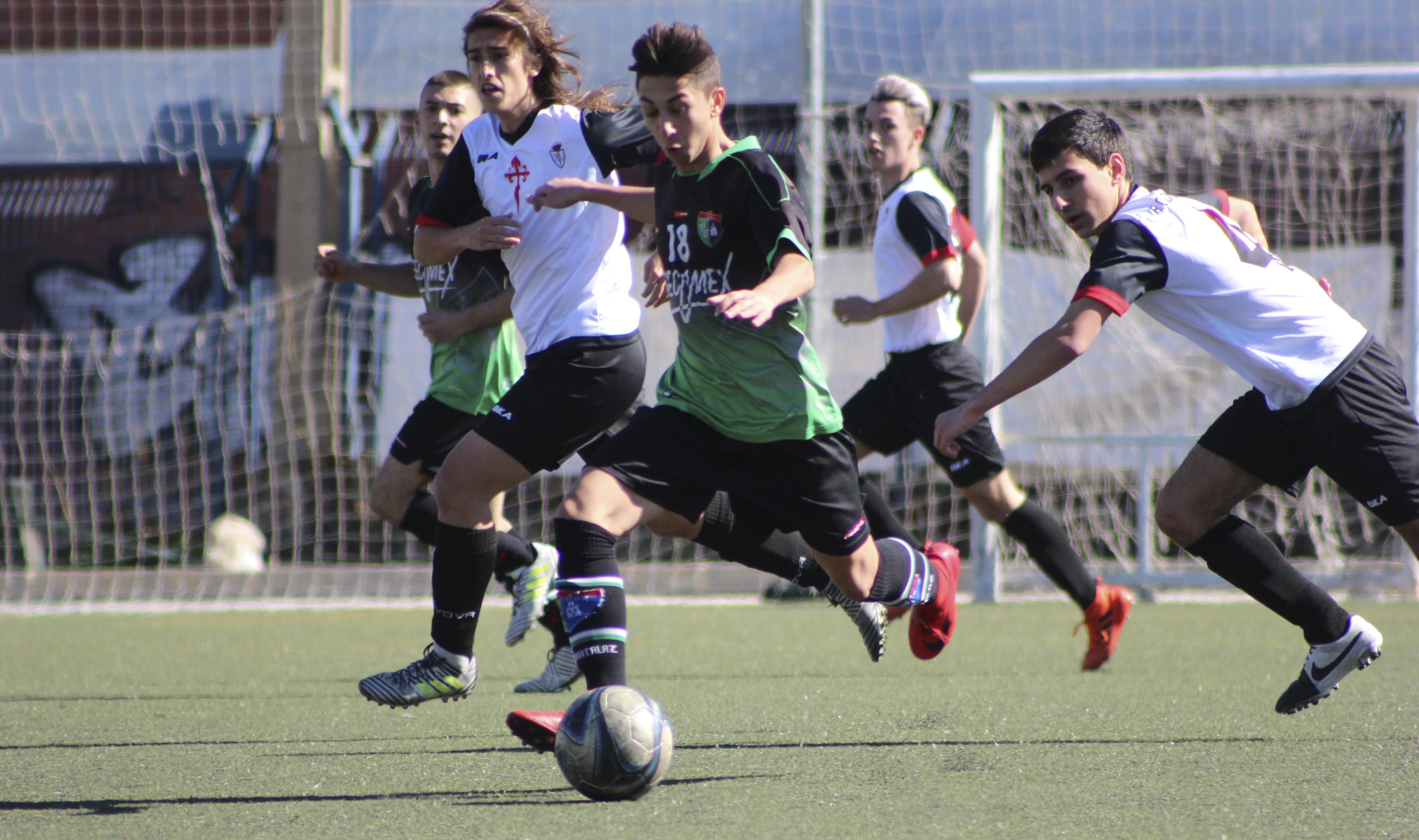 Fotos del partido: R.C.D Carabanchel 1-5 Juvenil E