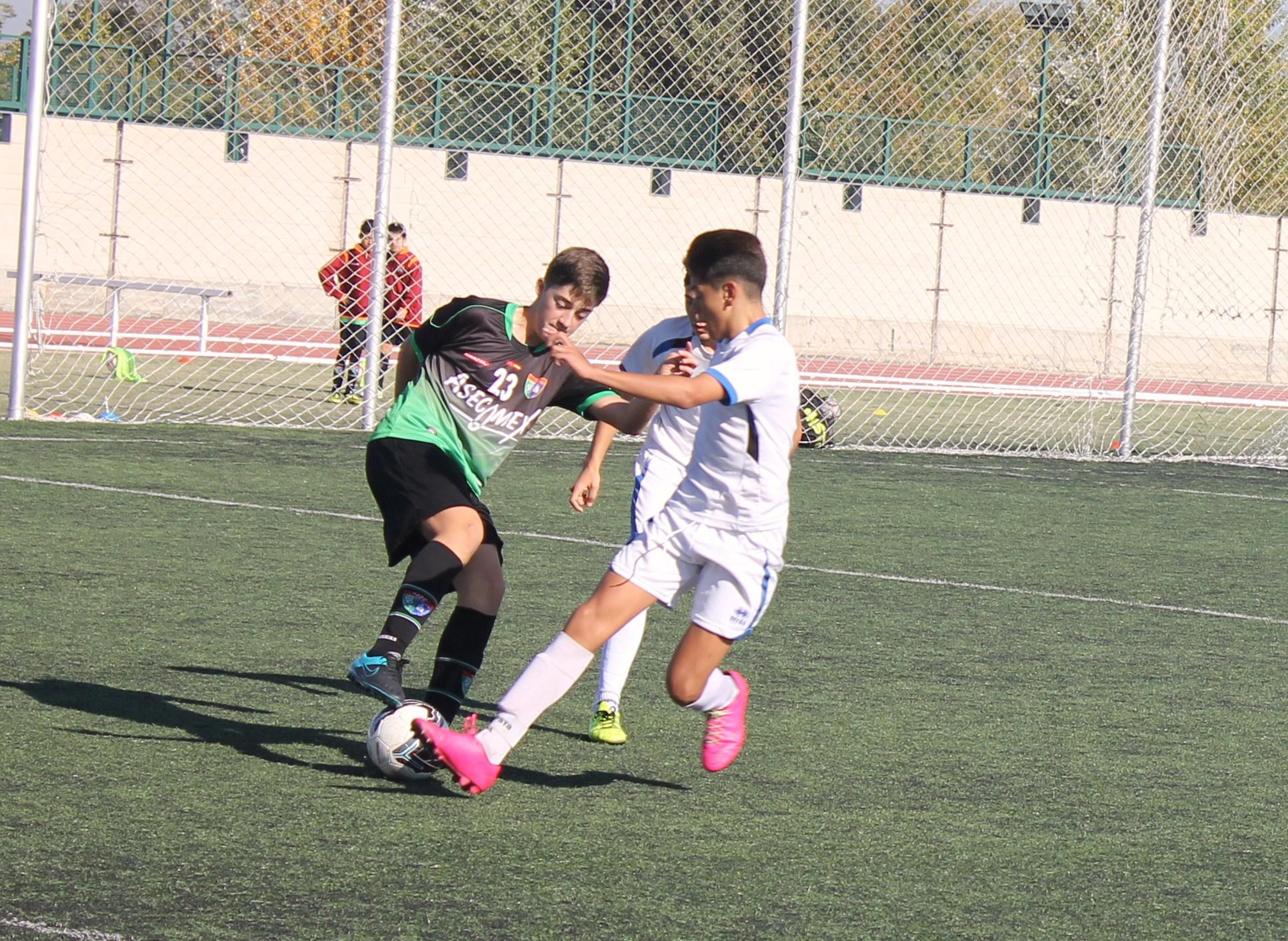 Fotos del partido de liga CD San Fernando A 2 – 0 EDM Infantil A