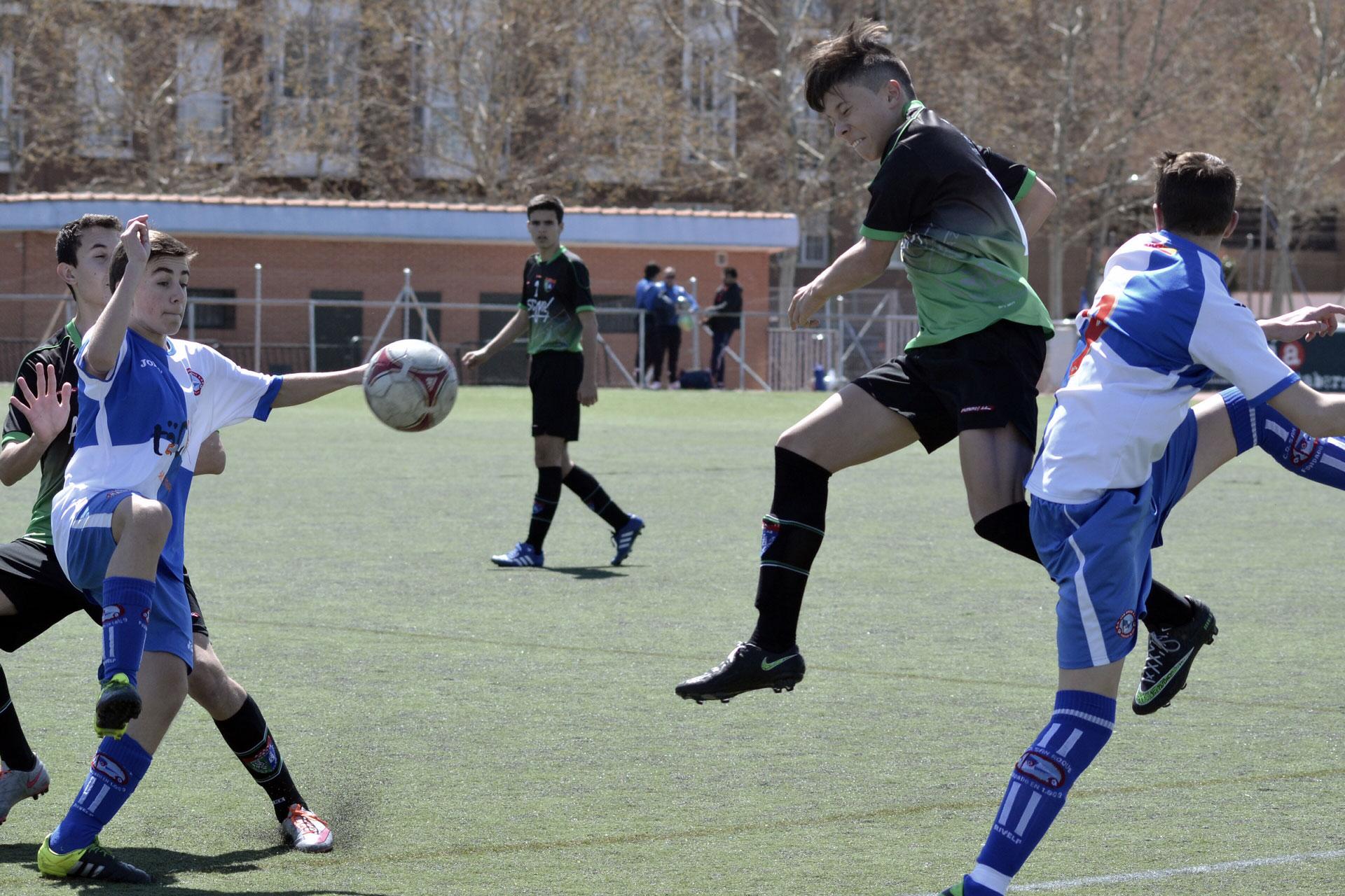 Crónica y fotos del partido de liga CD San Roque A 1 – 1 EDM Cadete C