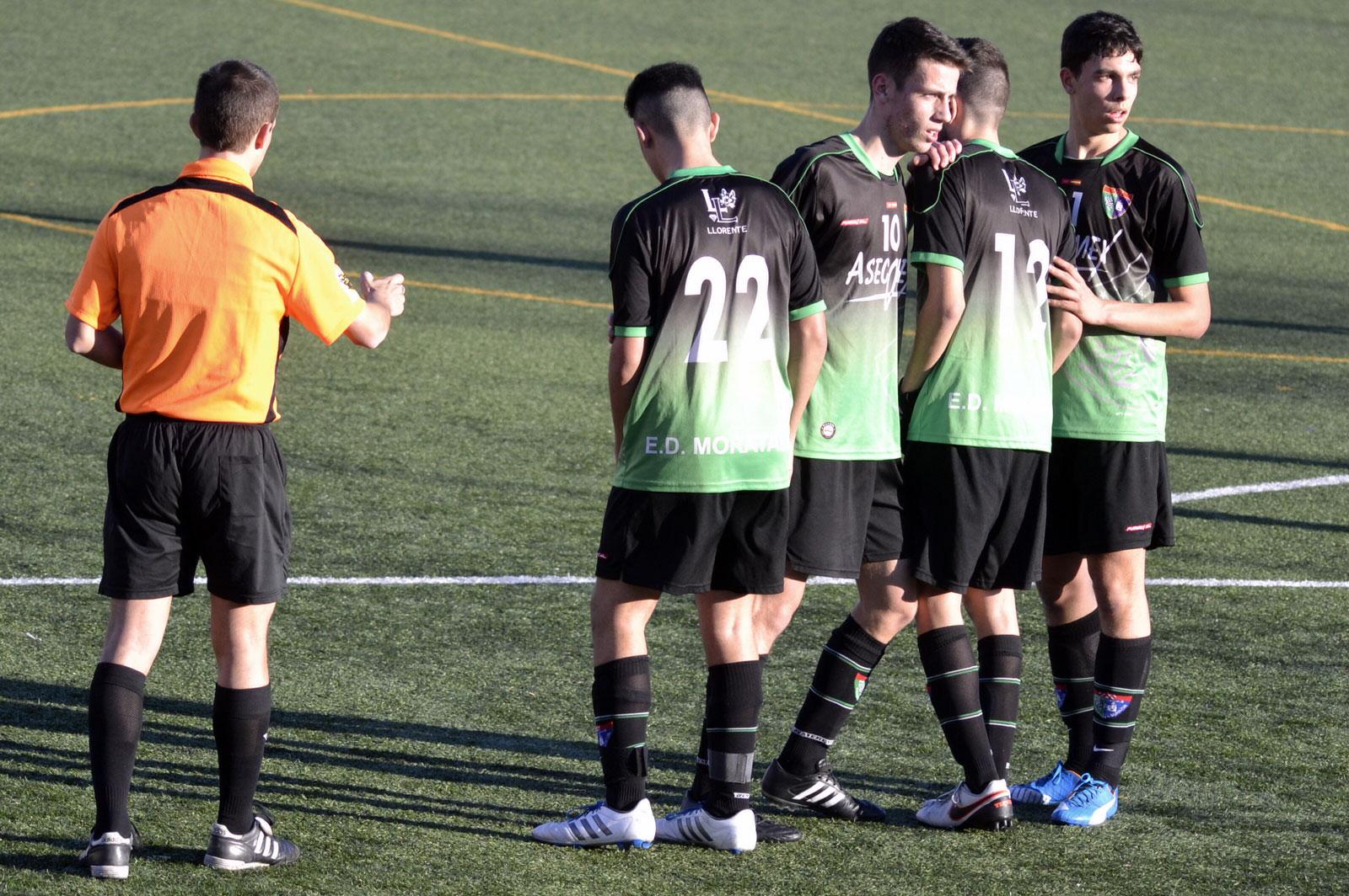 Crónica y fotos del partido AD Villaverde Bajo B 3-2 Juvenil D