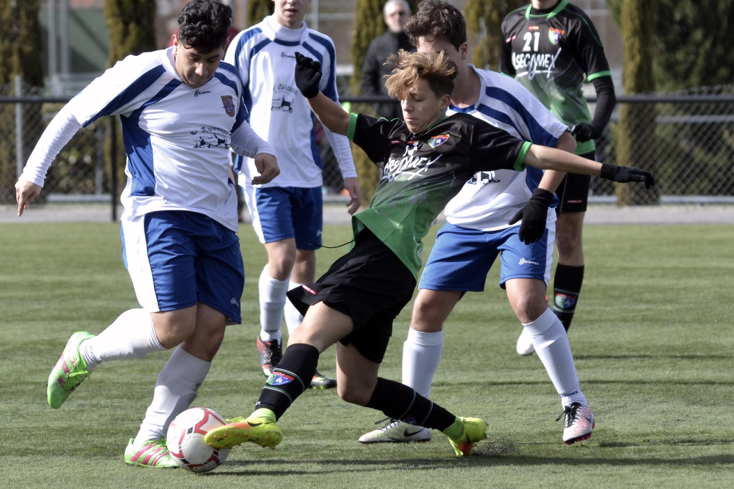 Crónica y fotos del partido CD Sporting Valdebernardo A 2-1 Juvenil D