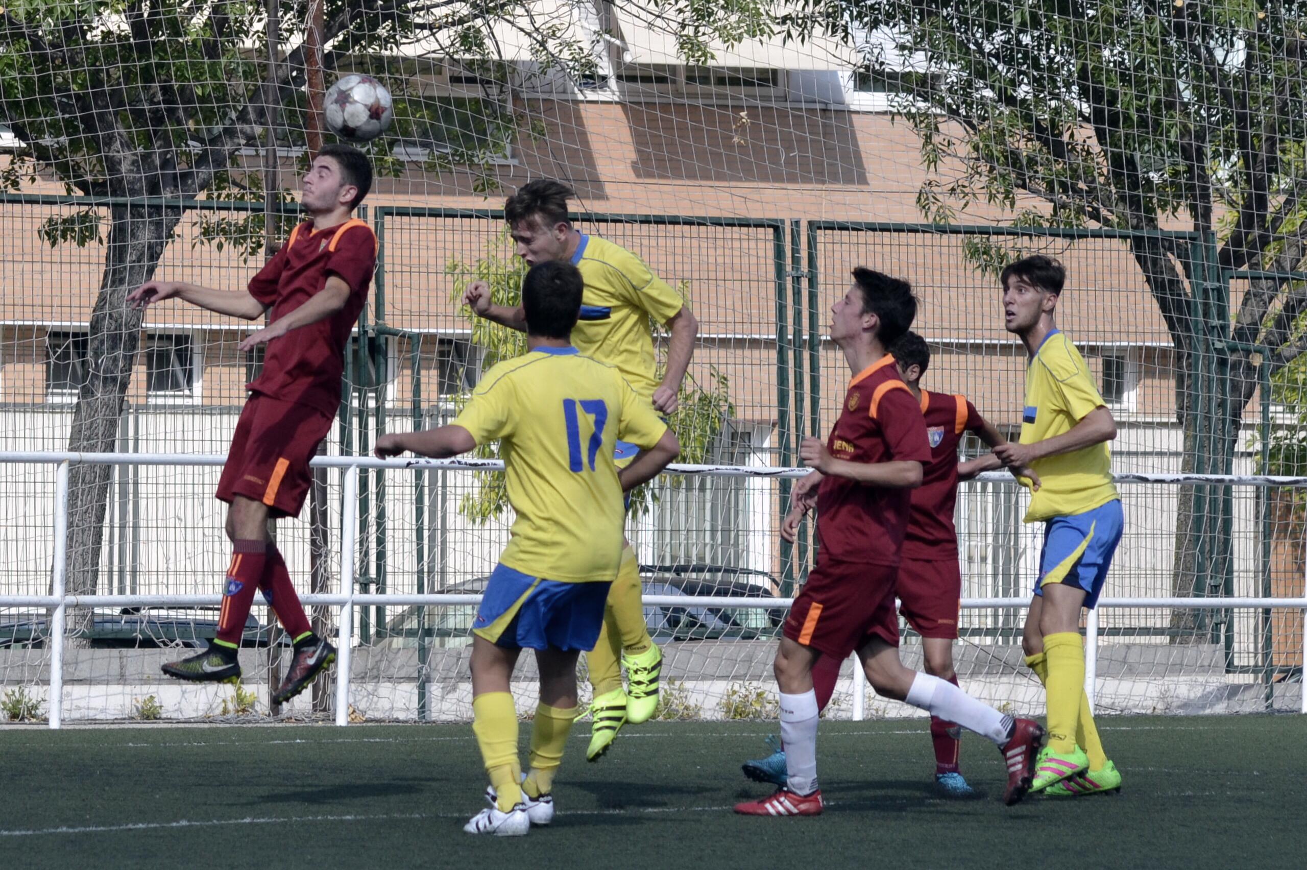 Crónica y fotos de los partidos amistosos de pretemporada del Juvenil D