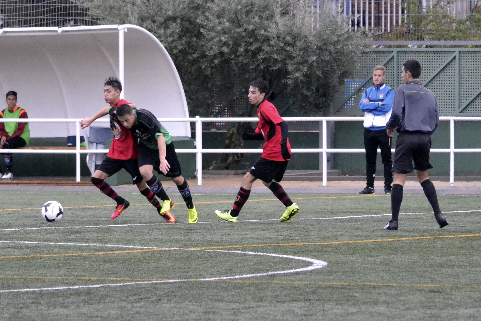 Crónica y fotos del partido Racing Villaverde CF 1 – 1 Juvenil D
