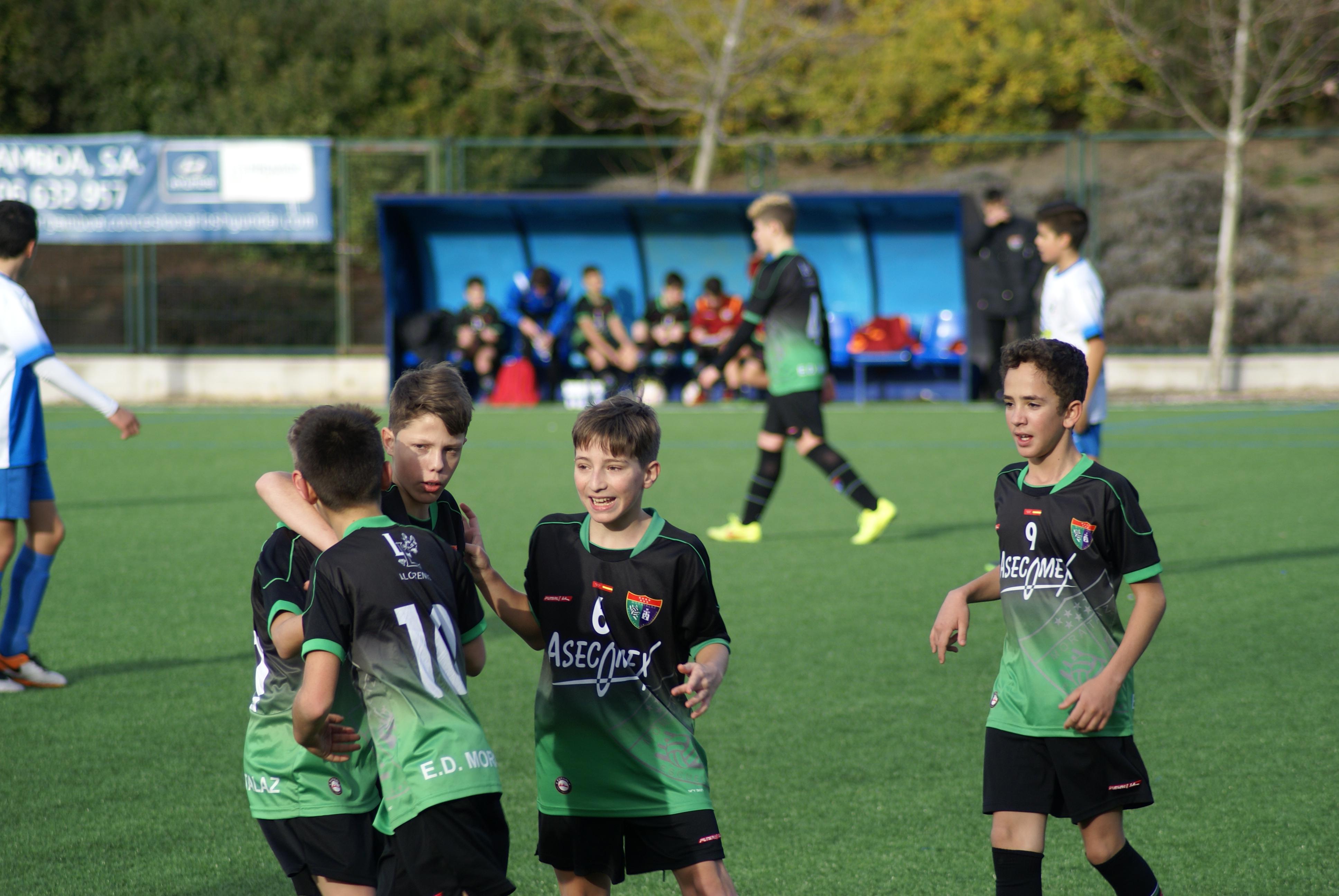 Fotos del partido Infantil C 5-2 SR Villaverde Boetticher CF A