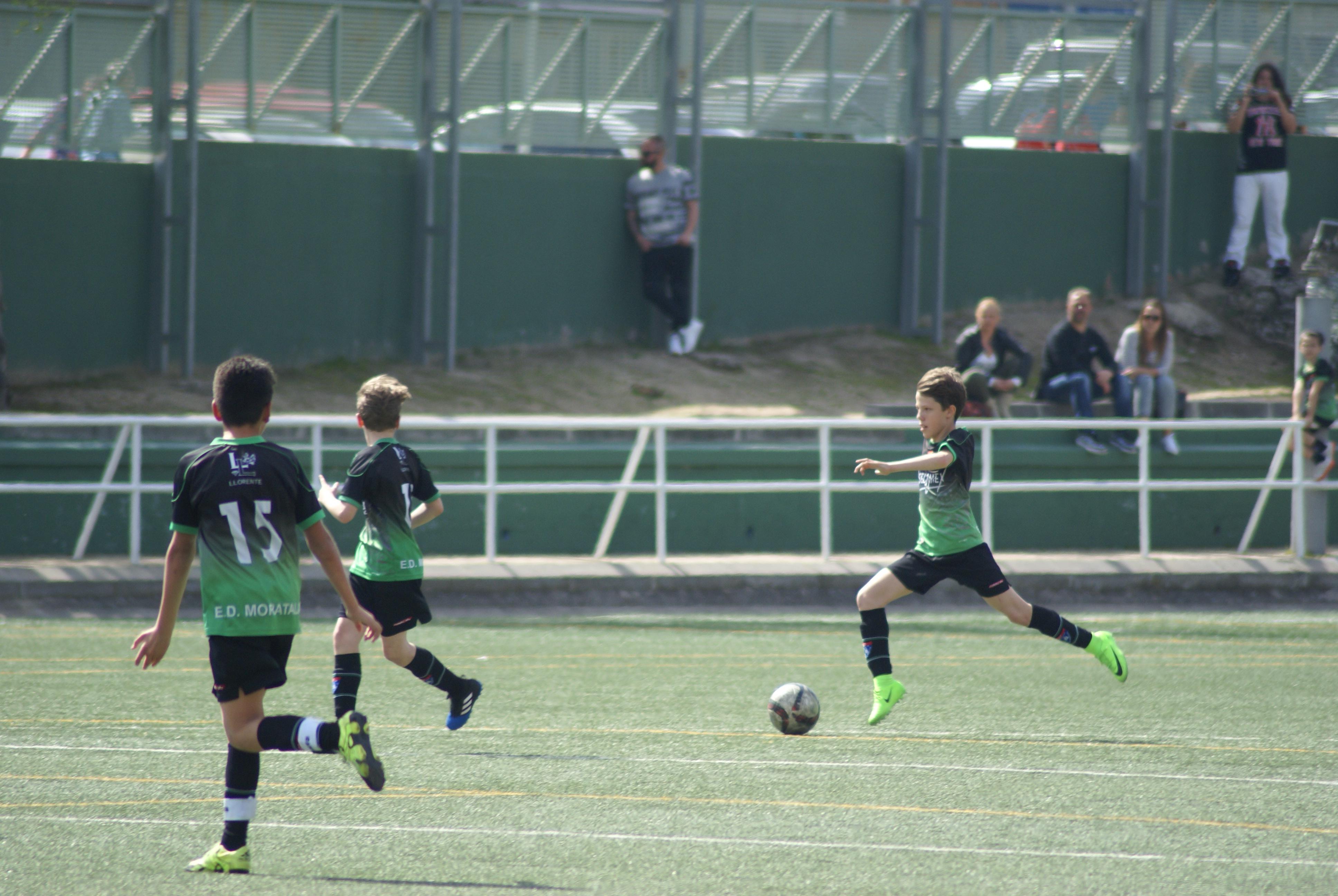 Fotos del partido AD Esc. Balonmano Villaverde 1-4 Infantil C