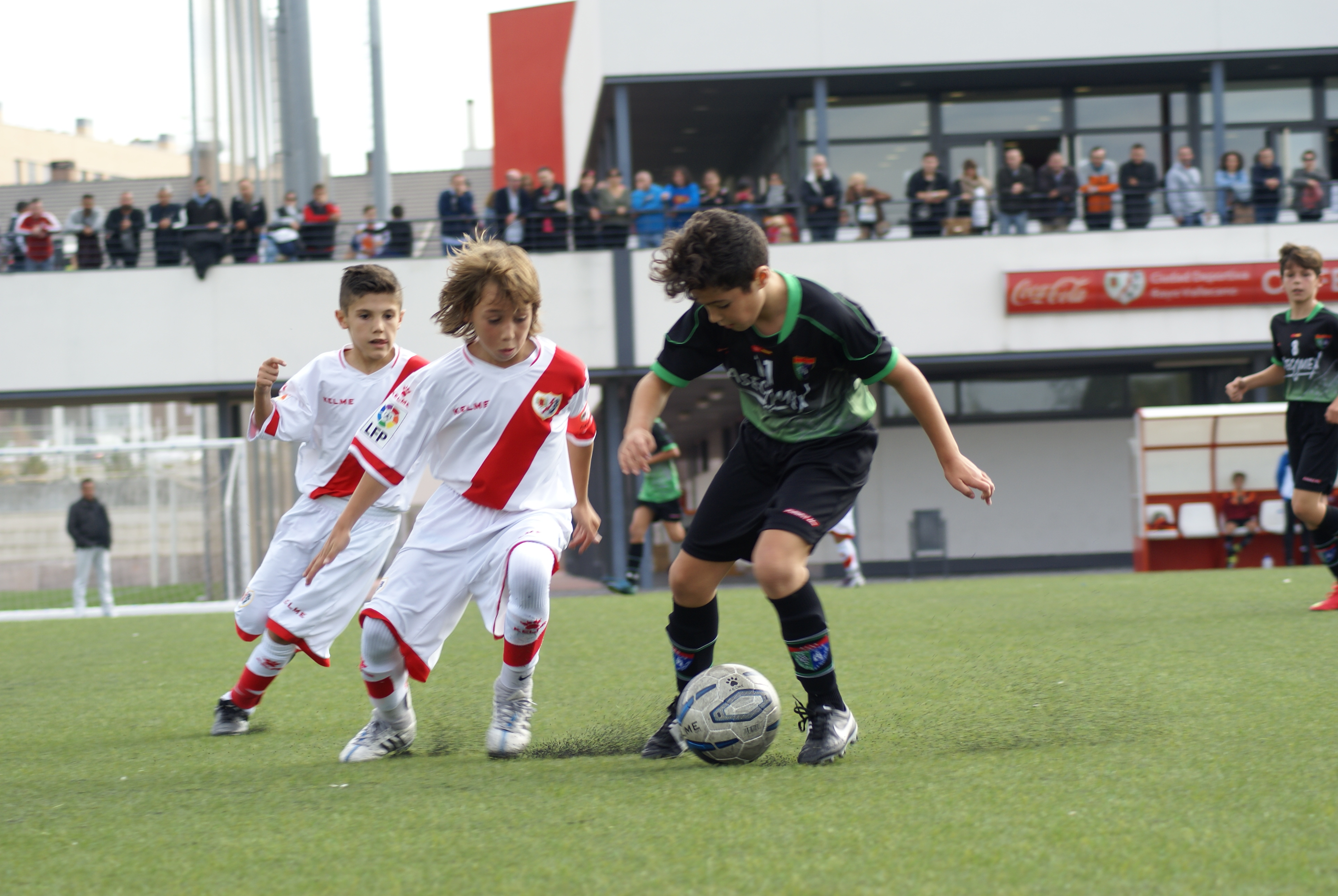 Fotos del partido de liga Rayo Vallecano B 3 – 0 EDM Alevín A