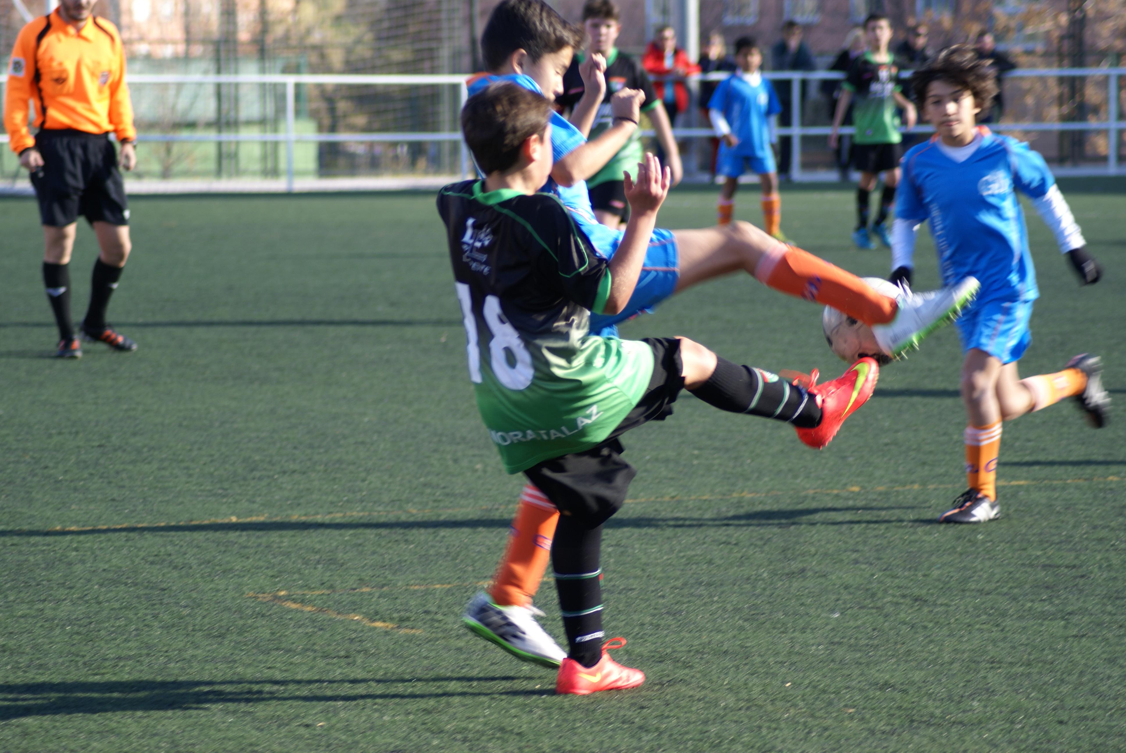 Crónica y fotos del partido de liga EDM Alevín B 3 – 0 Gredos San Diego Moratalaz