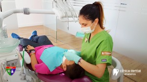 Dra. America Lara - Clinica dental Vinateros Madrid