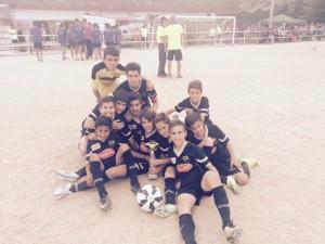 Un equipo juvenil de laEDM en el torneo Atlético Chopera Alcobendas