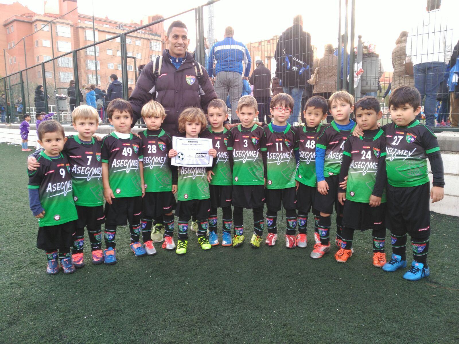 Chupetín B y Benjamín A disfrutaron ayer de la 3ª Edición de la Fútbol In Cup Noviembre