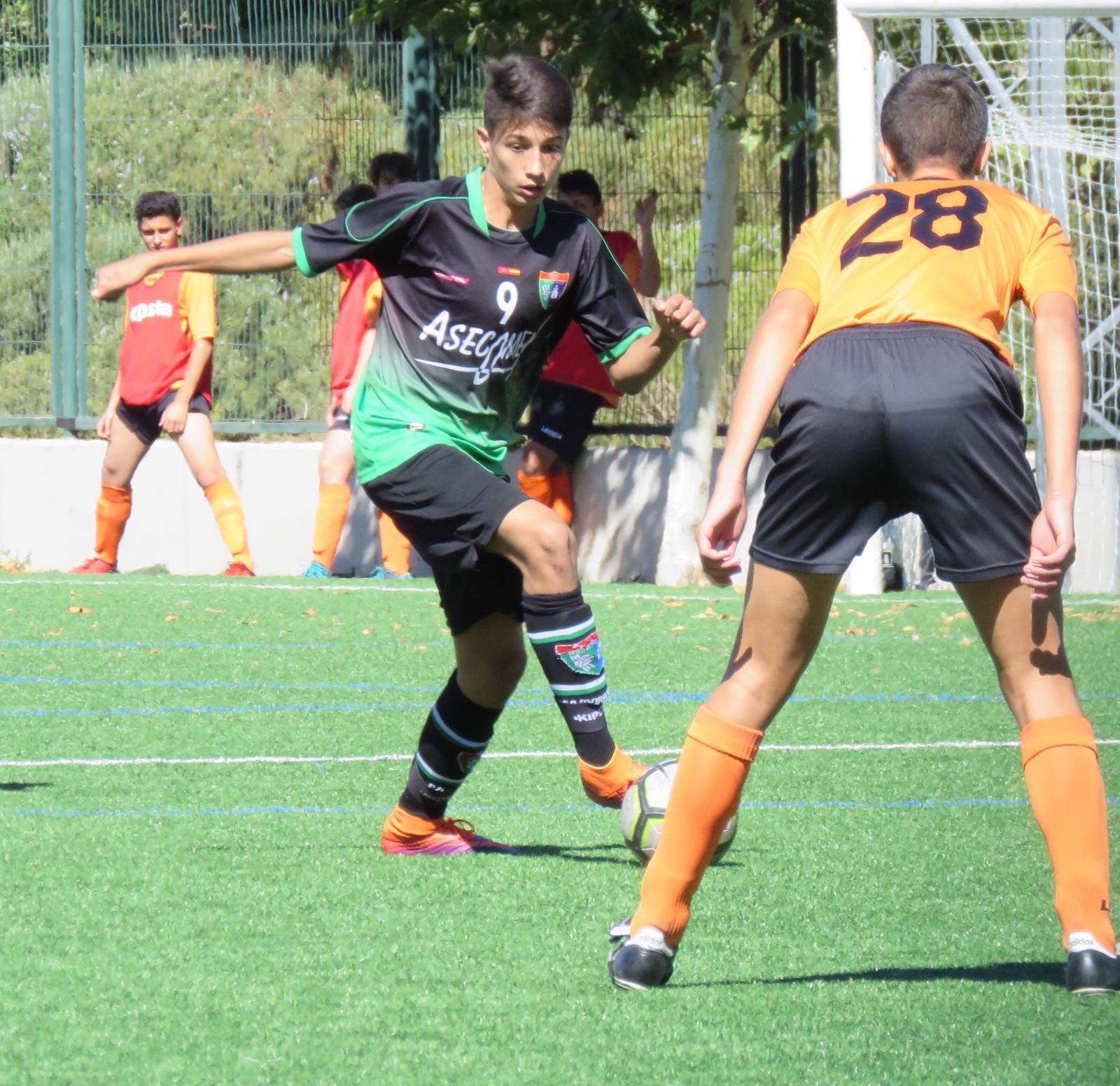 Samu, futbolista del Cadete B, convocado con la Selección Sub15 de Rumanía
