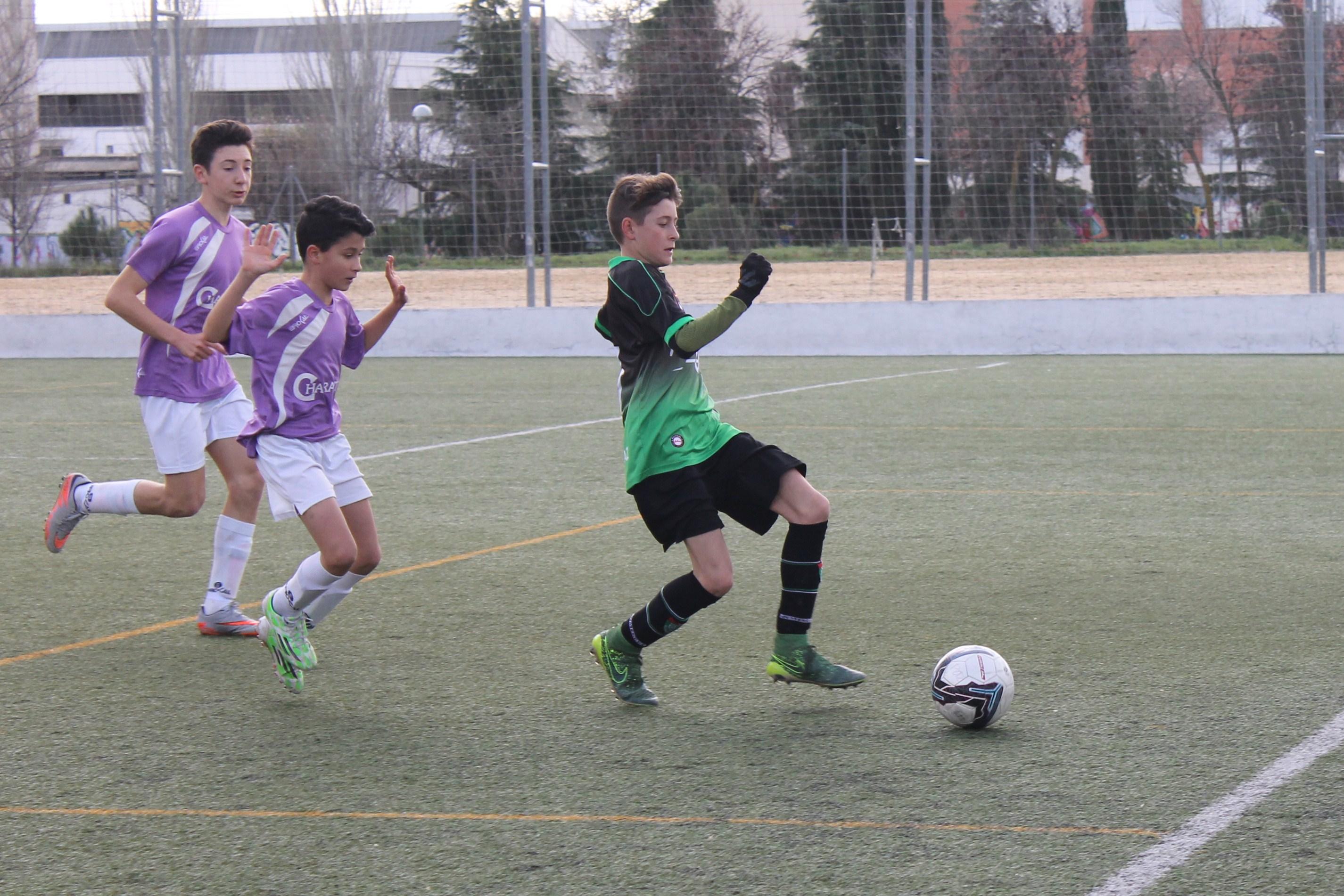 Fotos del partido de liga Alameda de Osuna A 2 – 1 EDM Infantil A