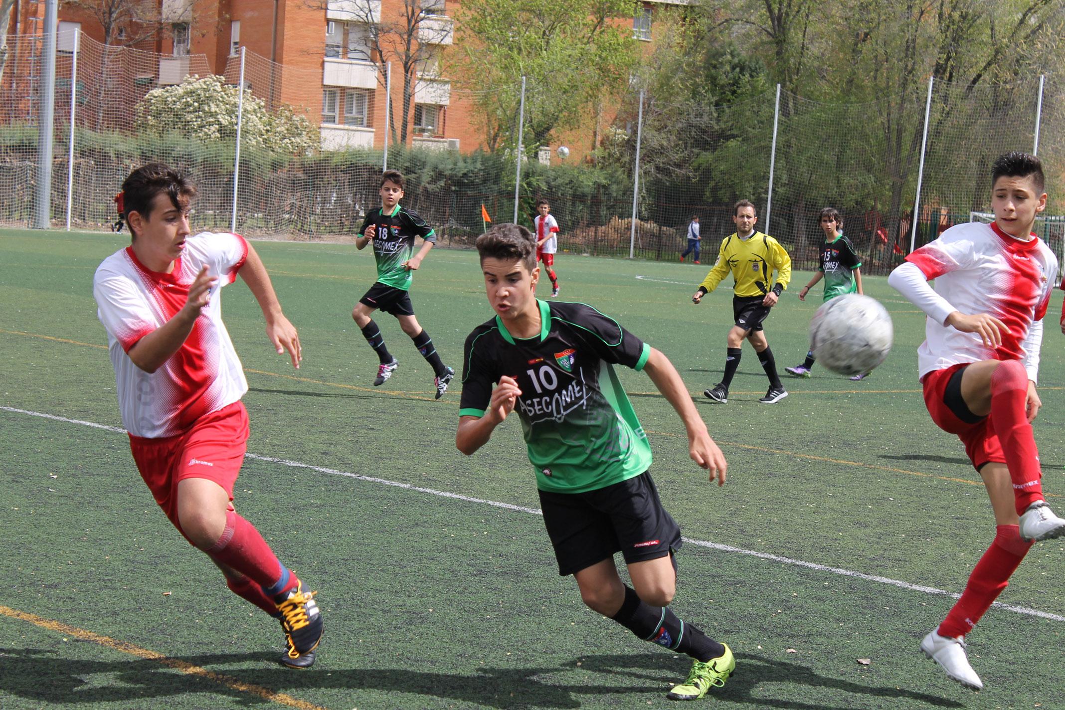 Fotos del partido de liga AD Complutense Alcalá A 2 – 2 EDM Infantil A