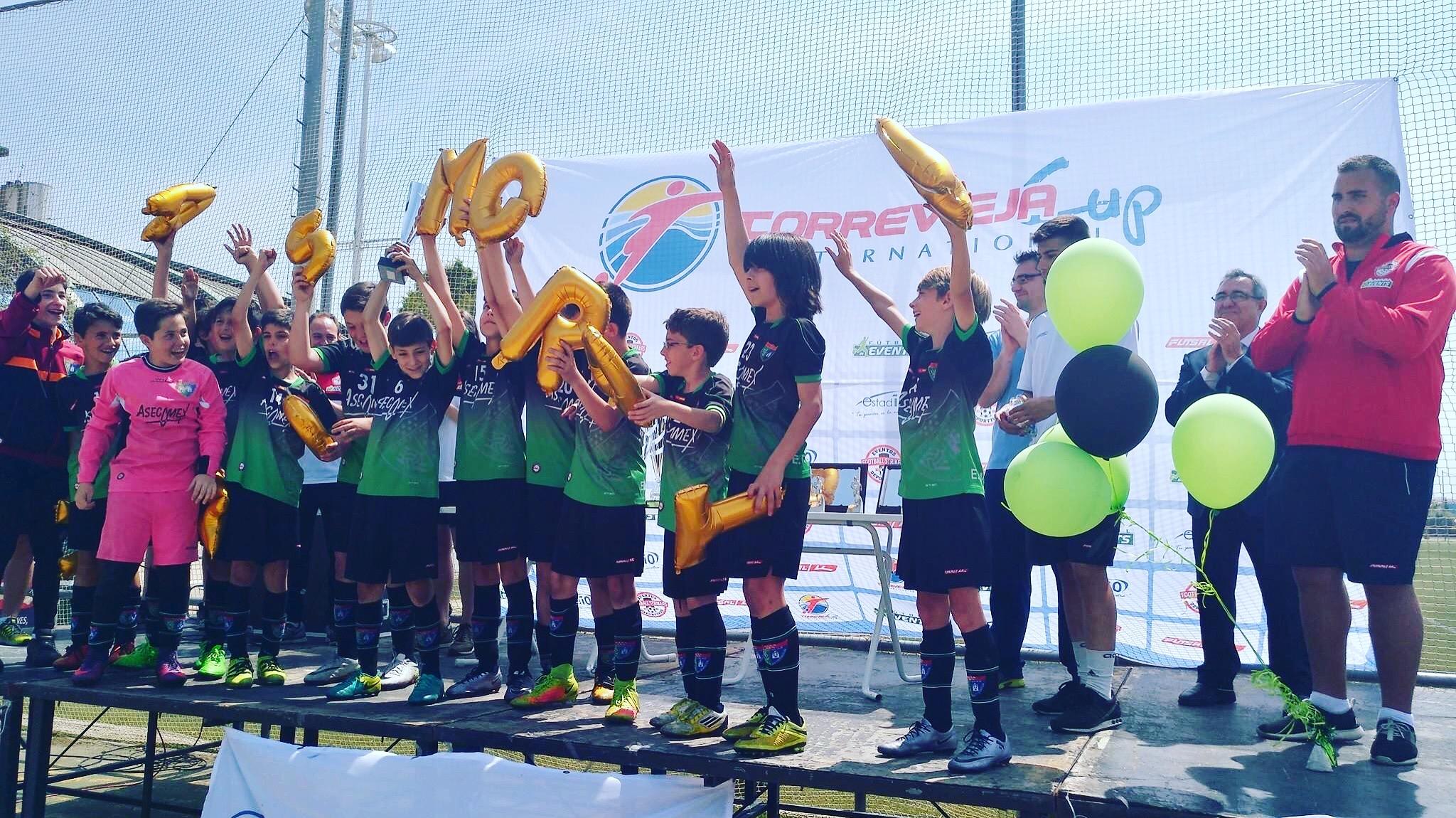 El Alevín B, campeón de la Torrevieja International Cup