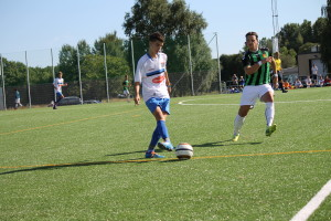 Antonio intenta superar al GAIS