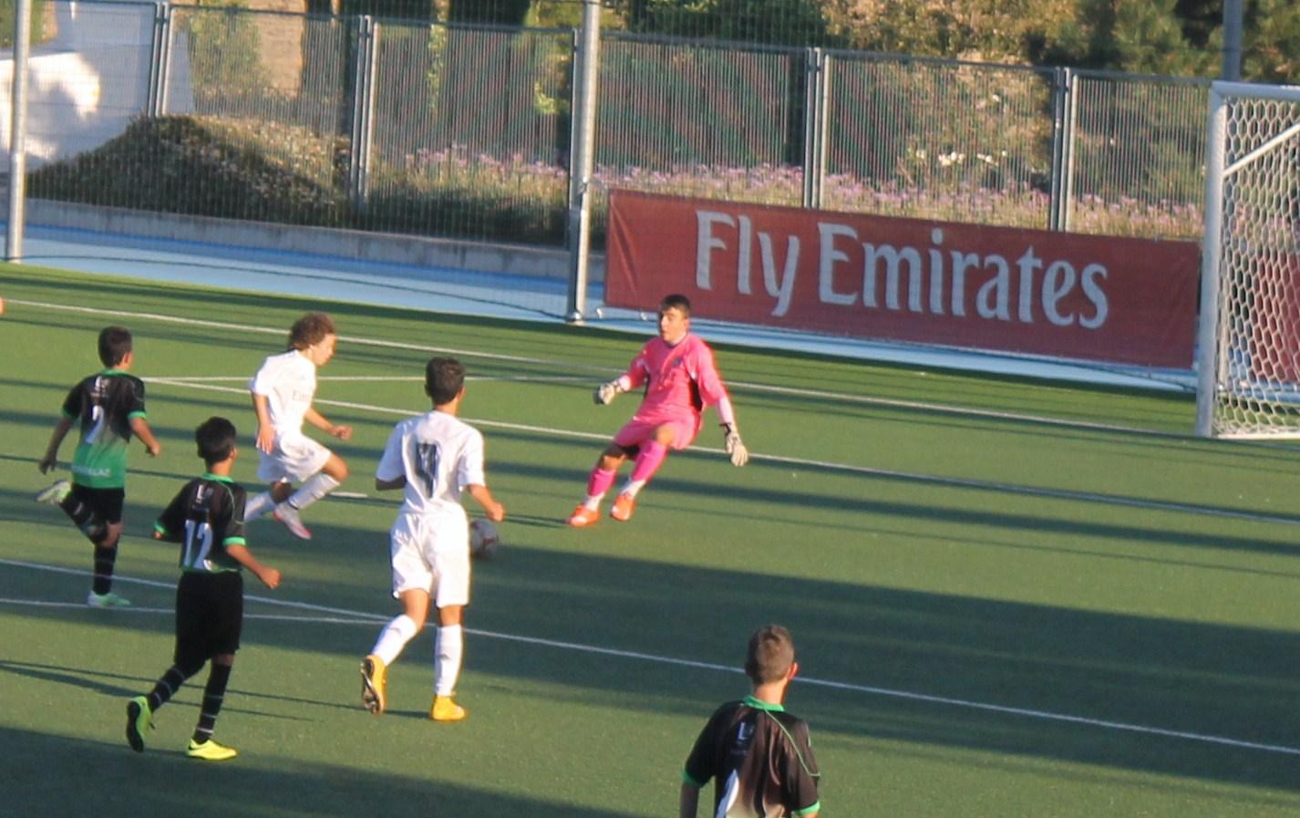 Fotos del amistoso Real Madrid B 4 – 0 EDM Infantil A