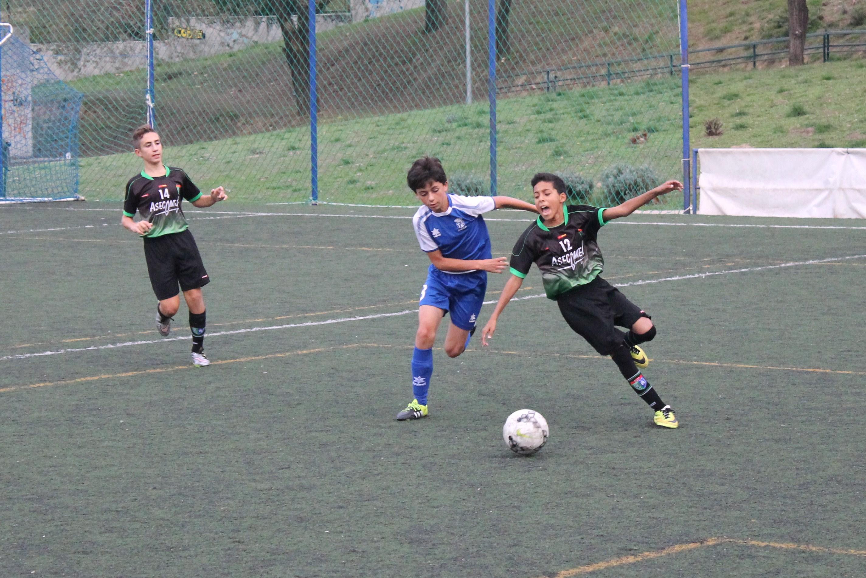 Fotos del partido de liga EDM Infantil A 3 – 1 CD Paracuellos A