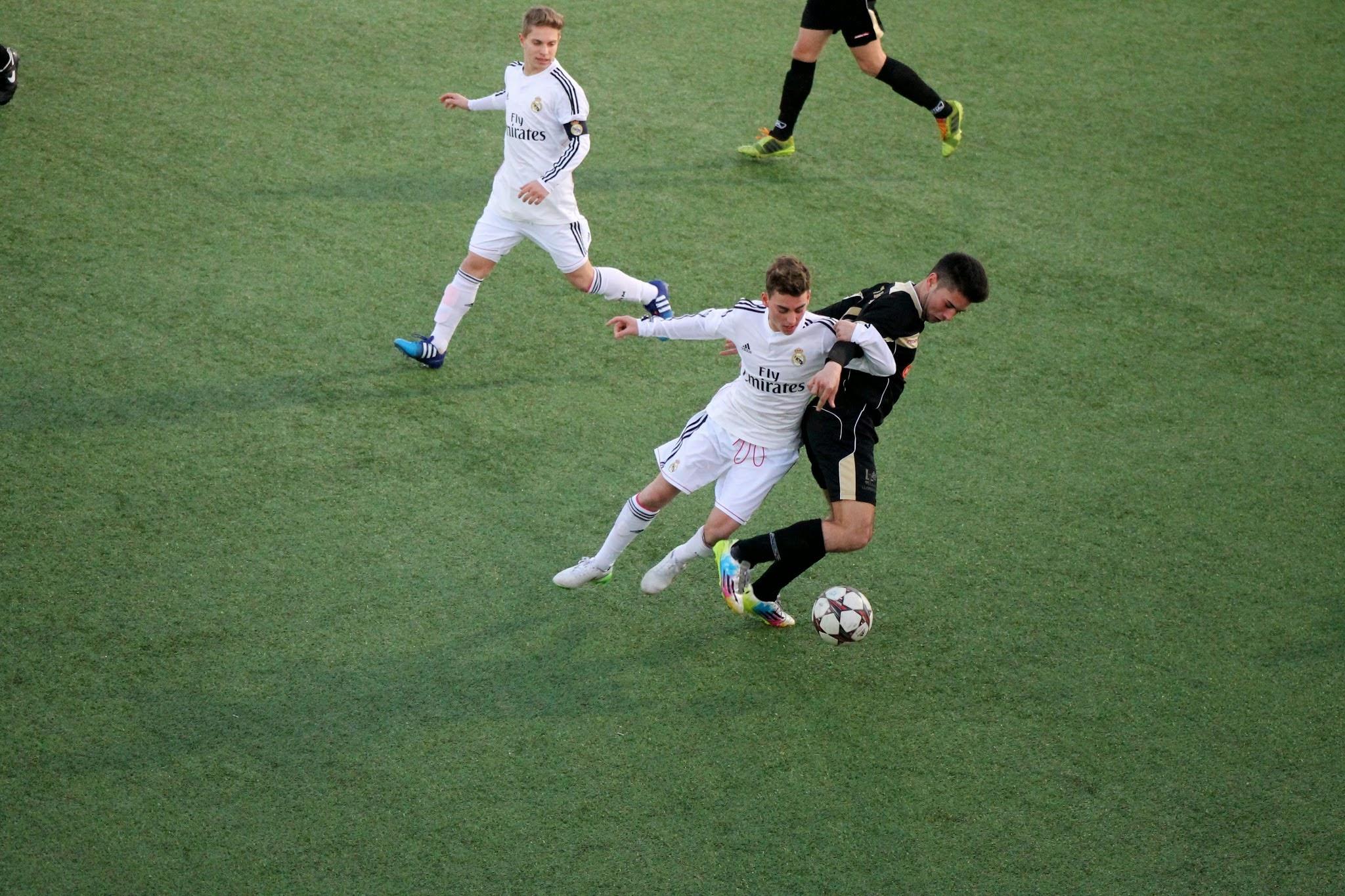 Fotos del partido amistoso Real Madrid Cadete A – EDM Juvenil C