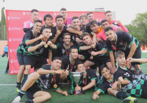 Juvenil a trofeo campeones