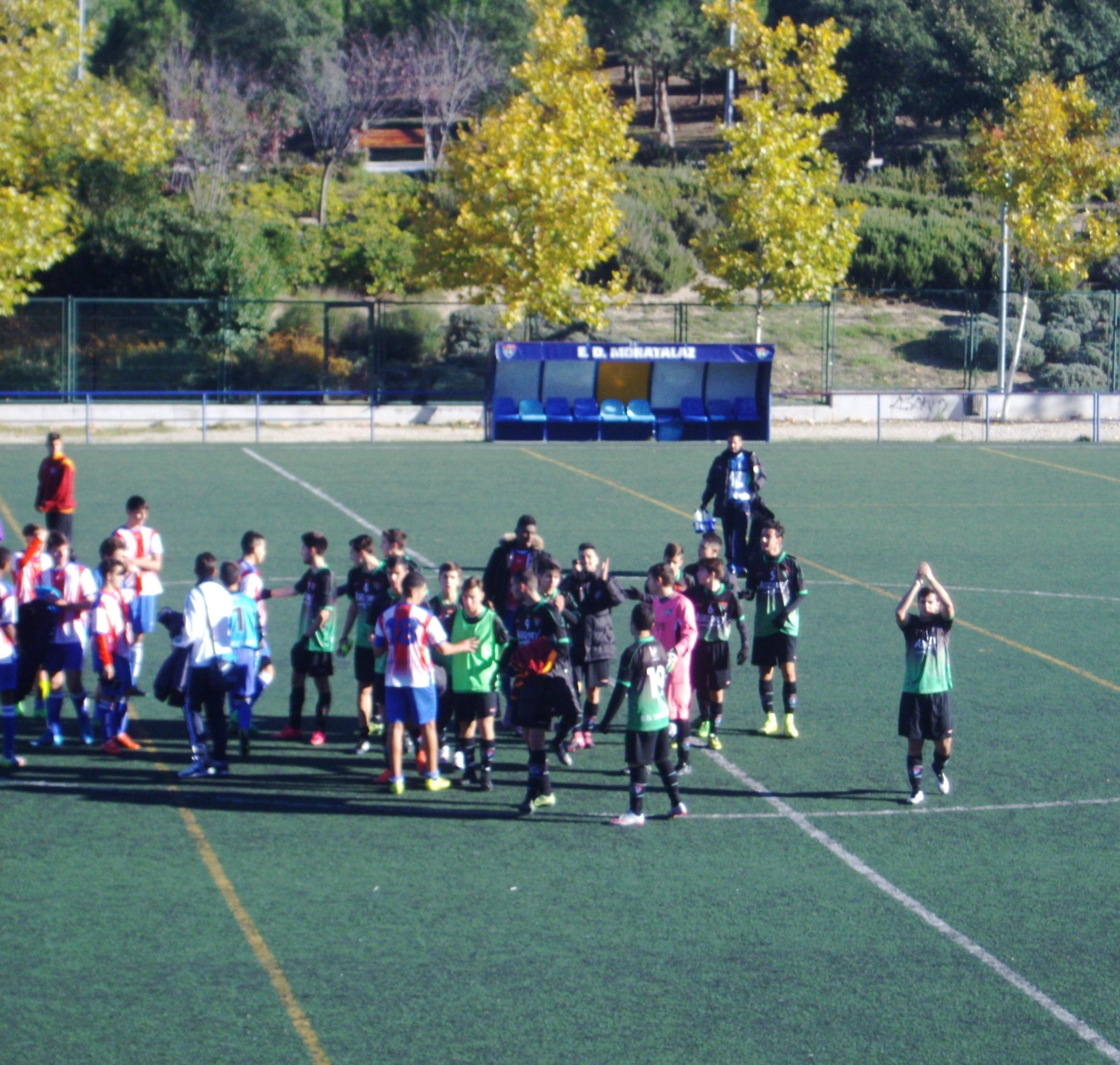 Crónica y fotos del partido de liga EDM Juvenil D 2 – 0 Colonia Moscardó C