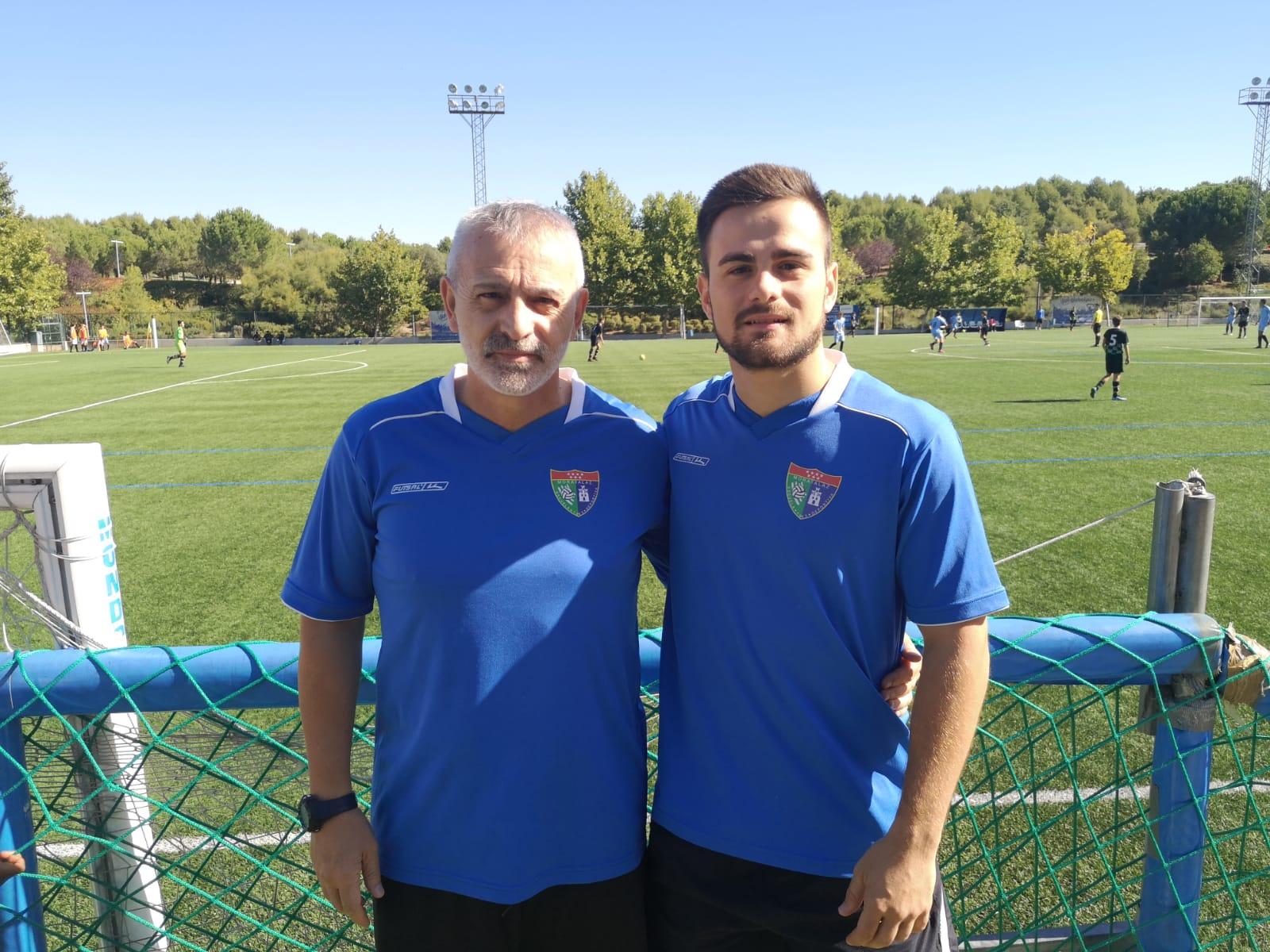Cristian Redondo: «Propuse lo de mi padre como entrenador y me dijeron en la Escuela que sin problema. Ahora está como un niño pequeño entrenando»