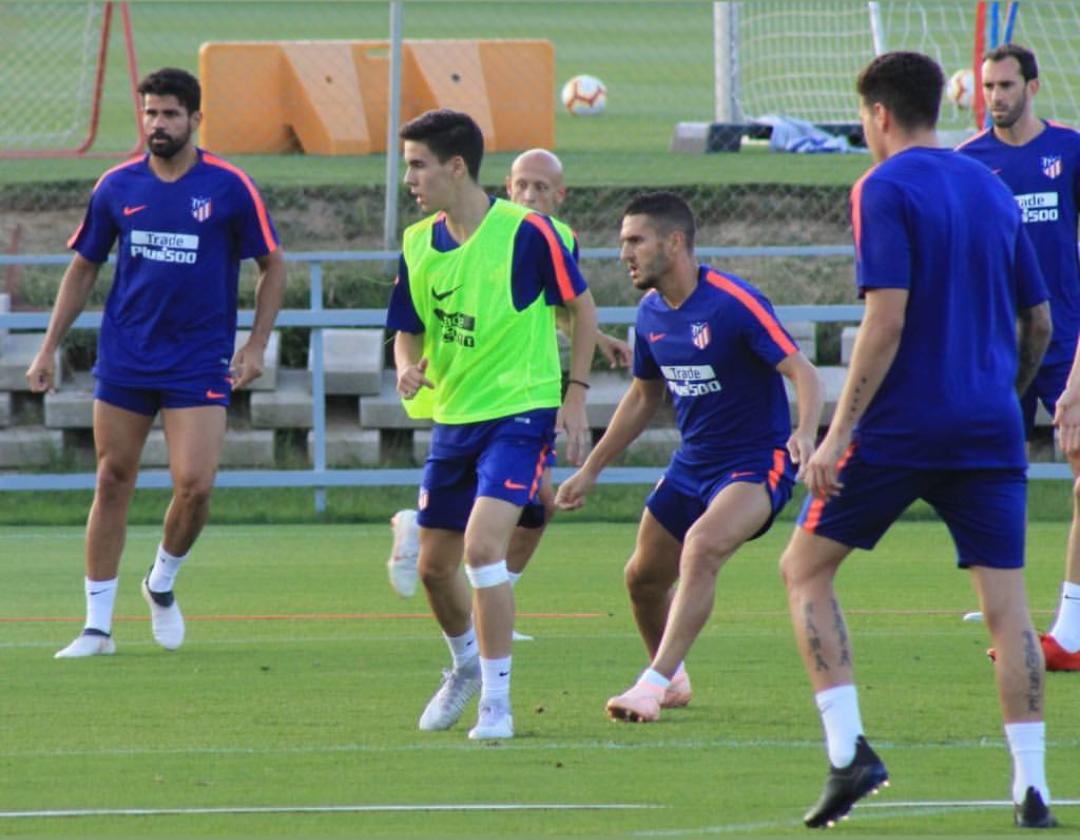 Alberto Cruz, ex-jugador de la ED Moratalaz, entrena con el Primer Equipo del Atlético de Madrid