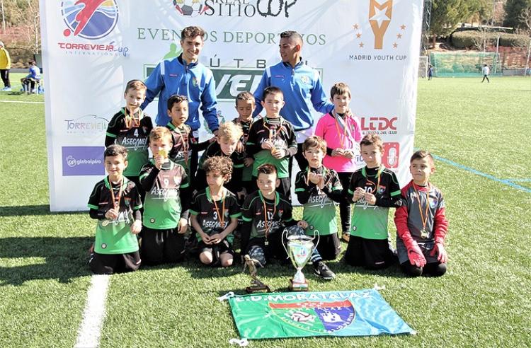 Resumen de los equipos de la escuela en Madrid Youth Cup