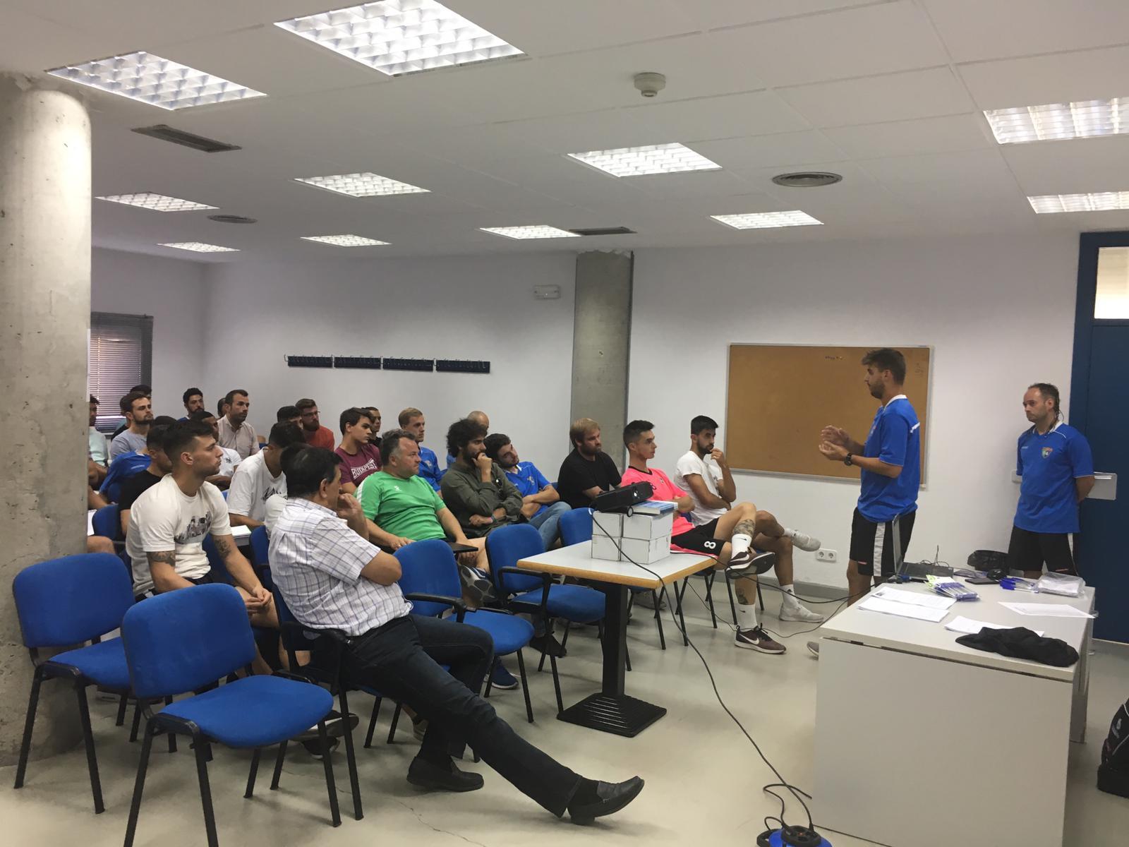 Reunión de entrenadores de la temporada 2019/20