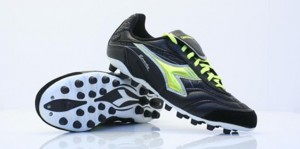 Aumentan las lesiones por el uso de botas inadecuadas para hierba artificial