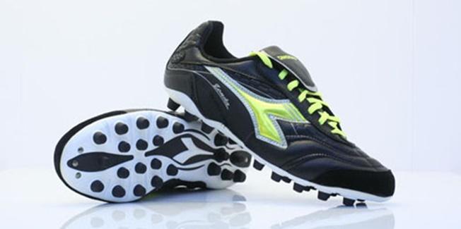 Espectacular aumento de las lesiones graves producidas por usar botas inadecuadas para campos de hierba artificial