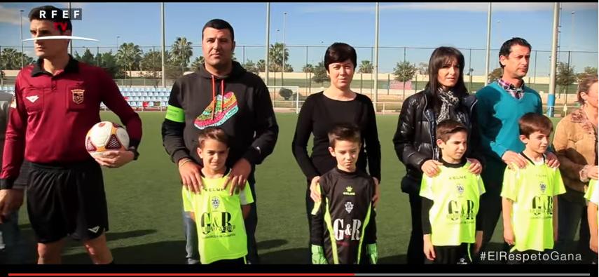 Campaña de concienciación contra la violencia en el fútbol que tiene como protagonista a los padres de los jugadores