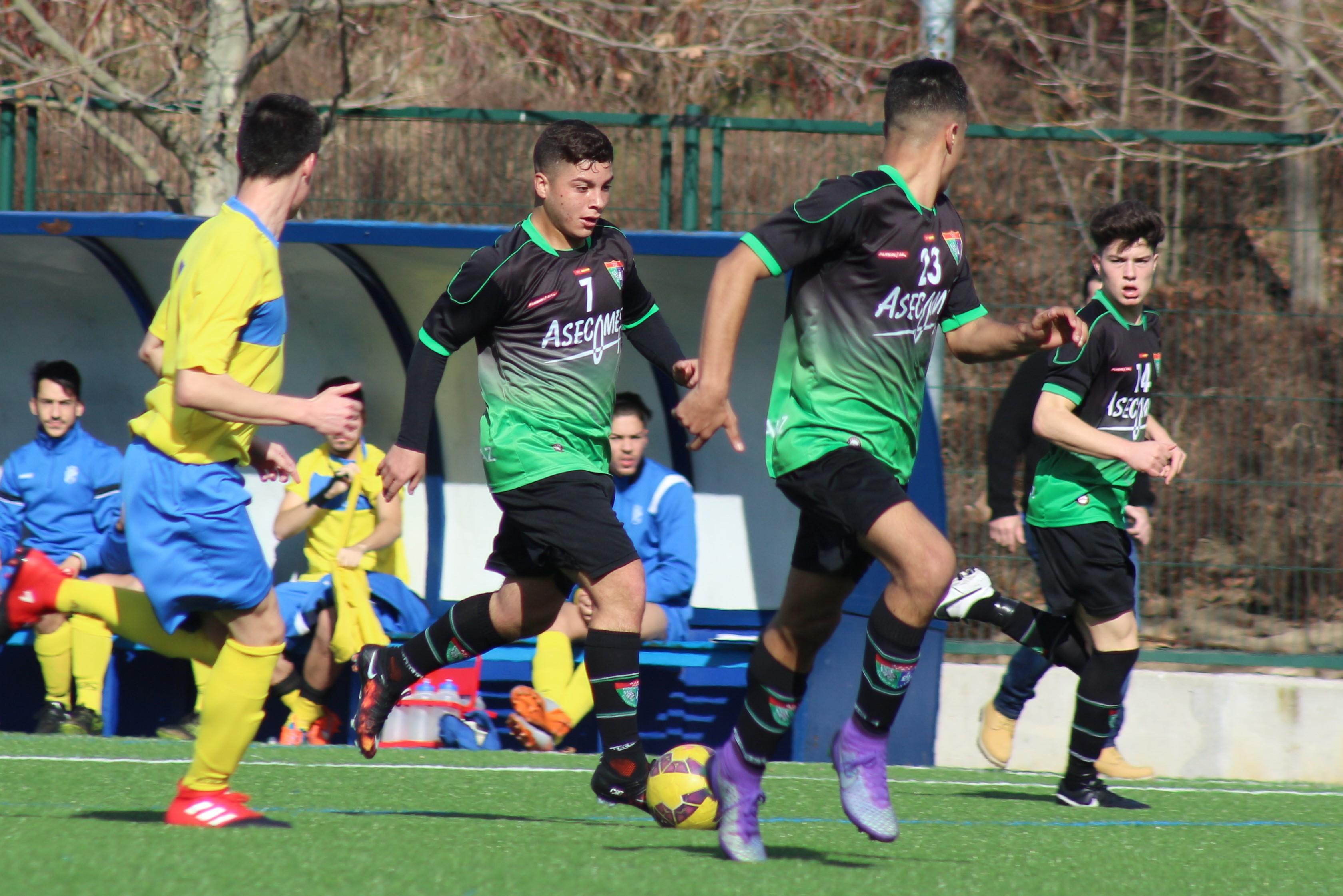 Fotos del partido Juvenil B 6-1 ADU Carrascal A