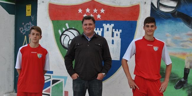 Fernando Sánchez, cabeza de una dinastía de futbolistas de Moratalaz que hoy defienden sus dos hijos en la EDM