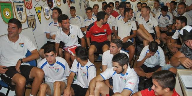 Los preparadores de la Escuela se reúnen en una jornada técnica para informarse de las novedades de la temporada