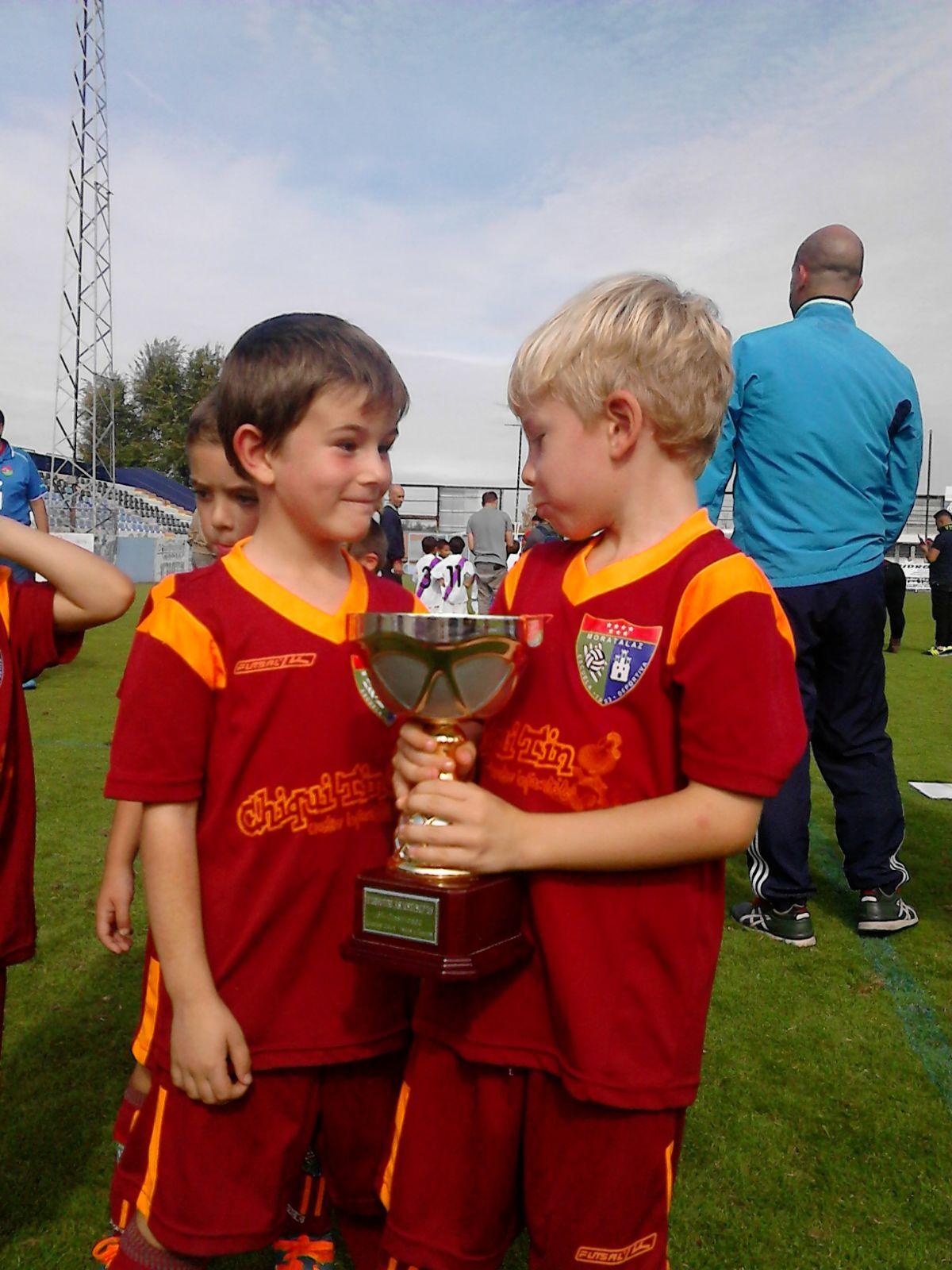 Los chupetines quedan terceros en el torneo Móstoles Cup