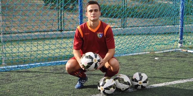 """Cristian Redondo: """"En esta Escuela se preocupan por que aprendas, y no solo a jugar al fútbol"""""""