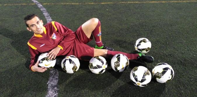 """Jonathan Velasco: """"Una vez que llegue con el Moratalaz a Tercera, dejo el fútbol"""""""