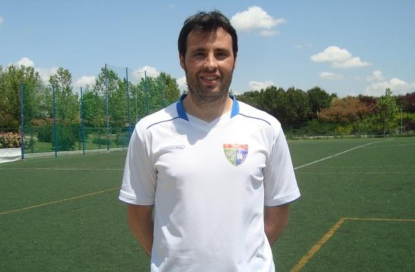 Raúl León, entrenador del Aficionado B, ficha por el Rayo Vallecano