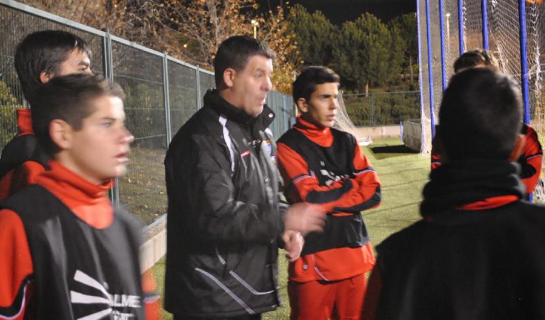 Quique Velasco deja de entrenar después de siete temporadas dirigiendo equipos cadetes